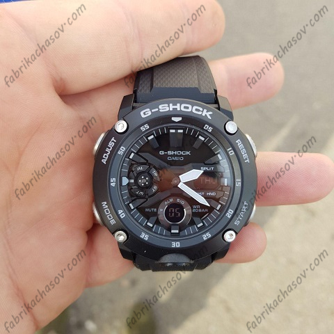 Часы Casio G-Shock GA-2000S-1AER