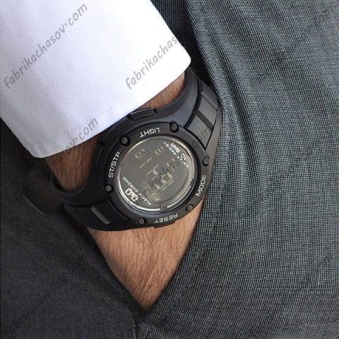 Мужские часы Q&Q M129J002Y